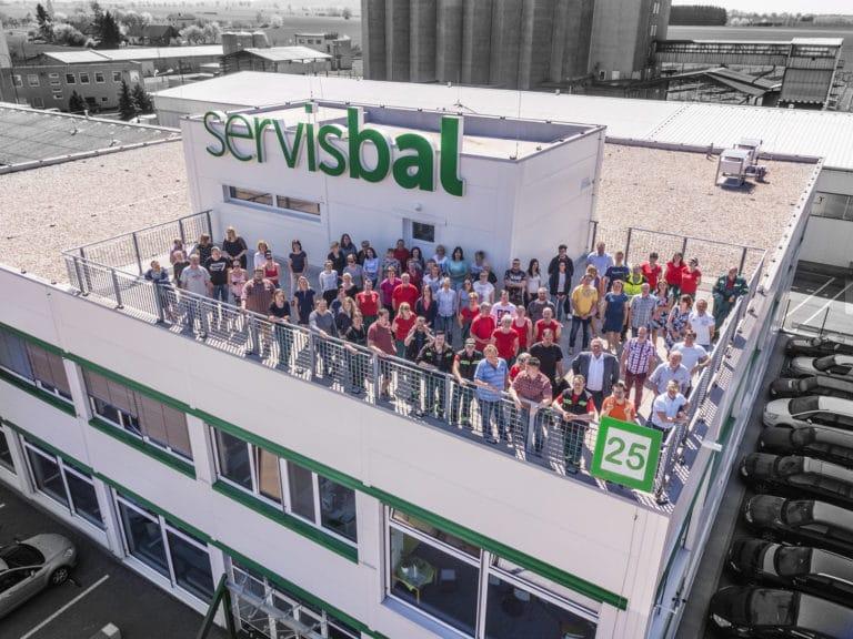 Zaměstnanci Servisbal z Dronu